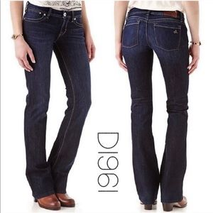 DL1961 Milano boot cut dark wash jeans size 29